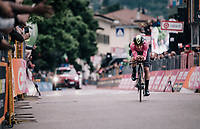 Simon Yates (GBR/Mitchelton-Scott) crossing the finish line and comfortably retaining the leaders jersey<br /> <br /> stage 16: Trento – Rovereto iTT (34.2 km)<br /> 101th Giro d'Italia 2018