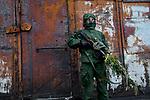 Tanya, Scharfschuetzin der pro-russischen Separatisten, Portrait, Donezk, Ukraine, 10.2014,  Tanya, 19-years old girl, the sniper of the pro-Russian militia poses with her gun at the suburb of Donetsk.  ***HIGHRES AUF ANFRAGE*** ***VOE NUR NACH RUECKSPRACHE***