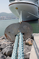 Rat guard on a cruise ship rope, Biklbao, Spain....Copyright..John Eveson,.Dinkling Green Farm,.Whitewell,.Clitheroe,.Lancashire..BB7 3BN.Tel. 01995 61280.Mobile 07973 482705.j.r.eveson@btinternet.com.www.johneveson.com