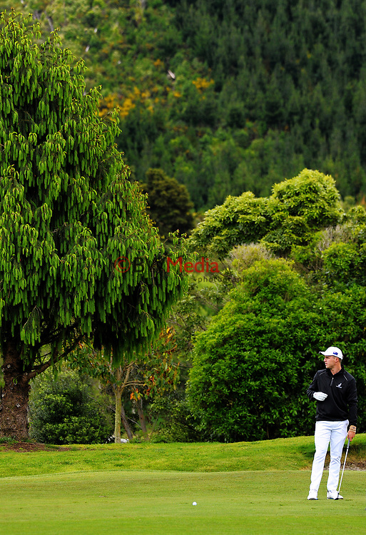 Luke Brown (NZ) on day one of the 2017 Asia-Pacific Amateur Championship day one at Royal Wellington Golf Club in Wellington, New Zealand on Thursday, 26 October 2017. Photo: Dave Lintott / lintottphoto.co.nz