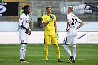 Kapitän und Torwart Jan Zimmermann (Eintracht Frankfurt) mit Danny da Costa (Eintracht Frankfurt), Marius Wolf (Eintracht Frankfurt) - 06.08.2017: Eintracht Frankfurt vs. FSV Frankfurt, Saisoneröffnung, Commerzbank Arena