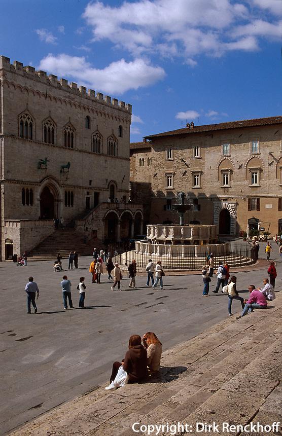 Italien, Umbrien, Fontana Maggiore und Palazzo Comunale (Palazzo dei Priori) in Peruggia