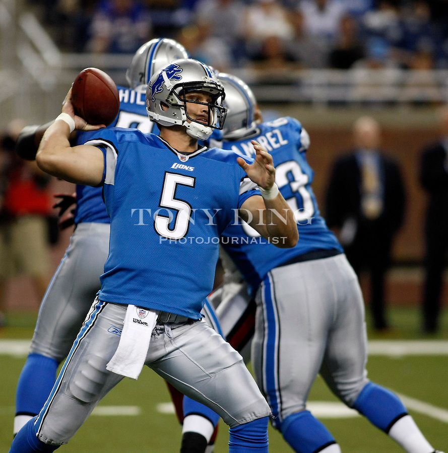 Detroit Lions quarterback Drew Stanton (5) throws a pass in the second quarter of a preseason NFL football game with the Buffalo Bills, Thursday,  Sept. 2, 2010, in Detroit. (AP Photo/Tony Ding)