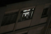 São Paulo (SP), 18/03/2020 - Protesto / Panelaço - Moradores do Bairro da Consolação, na região central de São Paulo, fazem panelaço pedindo Fora Bolsonaro, na noite desta quarta-feira, 18. (Foto Charles Sholl/Brazil Photo Press)