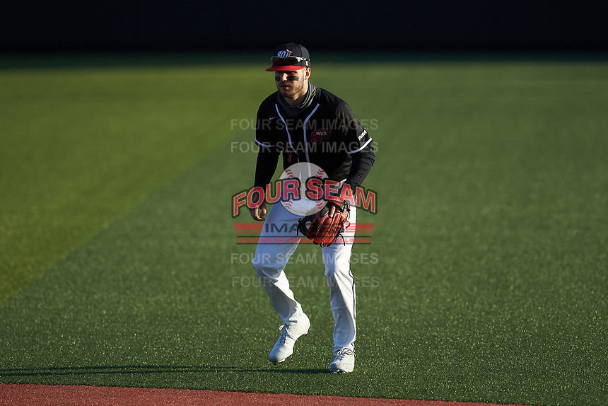 Western Kentucky Hilltoppers second baseman Ray Zuberer III (7) on defense against the Valparaiso Crusaders at Nick Denes Field on March 19, 2021 in Bowling Green, Kentucky. (Brian Westerholt/Four Seam Images)