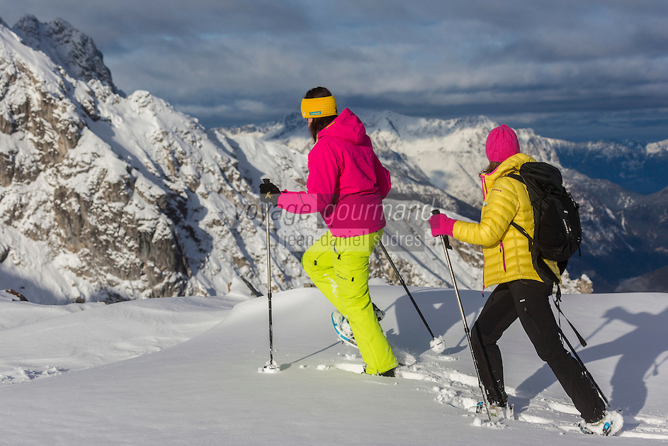 Europe, Autriche, Tyrol (Land), Tyrol du Nord, env de  Hall en Tyrol: Randonnée en raquettes // Europe, Austria, Tyrol (state), Near Hall in Tirol: Snowshoeing<br /> Auto:N° 2014-174 et Auto:N° 2014-175