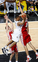 Russel WESTBROOK (USA)  passes Evgeny VORONOV (Russia) and Timofey MOZGOV (Russia) during the quarter-final World championship basketball match against Russia in Istanbul, USA-Russia, Turkey on Thursday, Sep. 09, 2010..