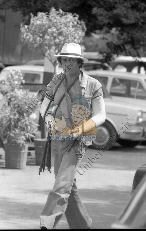"""BERNARDO BERTOLUCCI<br /> SUL SET DE """"LA LUNA"""" ROMA 1979"""