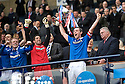 :: RANGERS' CAPTAIN DAVID WEIR LIFTS THE 2011 CO-OPERATIVE INSURANCE CUP ::
