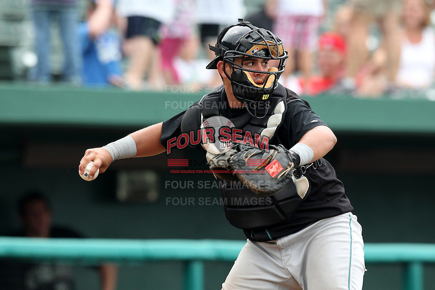 Kane County Cougars Juan Graterol #34 during a game against the South Bend Silver Hawks at Coveleski Stadium on July 24, 2011 in South Bend, Indiana.  Kane County defeated South Bend 7-5.  (Mike Janes/Four Seam Images)