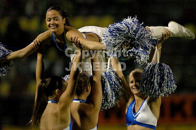 veendam - den bosch gouden gids divisie seizoen 2005-2006 show aan de langeleegte met  cheerleaders