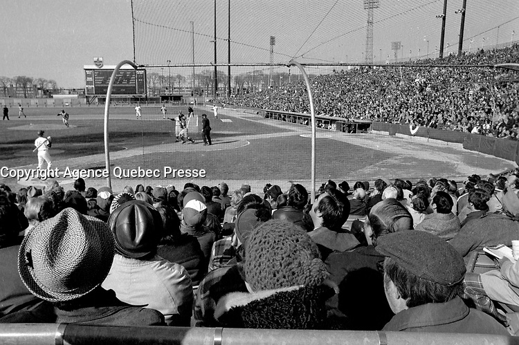 Montreal EXPOS play at Jarry Park in Montreal, April 14, 1975<br /> <br /> <br /> <br /> Photo : AQP - Alain Renaud