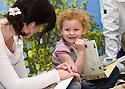 04/10/2010   Copyright  Pic : James Stewart.023_helix_monday  .::  HELIX PROJECT ::  KIDS ENJOY THEIR TEDDY BEAR PICNIC ::.