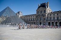 Entry of the peloton onto the Champs-Elysées circuit via the famous Louvre Museum Pyramid.<br /> <br /> Stage 21 (Final) from Chatou to Paris - Champs-Élysées (108km)<br /> 108th Tour de France 2021 (2.UWT)<br /> <br /> ©kramon