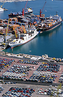 ITALY Campania Salerno, container harbour and Fiat car RoRo Terminal of Salerno at mediterranean sea / ITALIEN Kampanien, Hafen Salerno im Mittelmeer, Containerhafen und RoRo Terminal fuer export von Autos wie Fiat