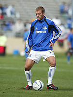 24 October 2004:  Jimmy Conrad of Wizards warms up before the game against Earthquakes at Spartan Stadium in San Jose, California.   Earthquakes defeated Wizards, 2-0.  Credit: Michael Pimentel / ISI