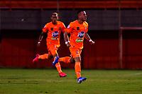 ENVIGADO - COLOMBIA, 26-09-2020: Santiago Jimenez de Envigado F. C., celebra el gol anotado a Atletico Junior  durante partido entre Envigado F. C. y Atletico Junior  de la fecha 10 por la Liga BetPlay DIMAYOR I 2020, en el estadio Polideportivo Sur de la ciudad de Envigado. / Santiago Jimenez of Envigado F. C., celebrates a scored goal to Atletico Junior, during a match between Envigado F. C., and Atletico Junior of the 10th date  for the BetPlay DIMAYOR Leguaje I 2020 at the Polideportivo Sur stadium in Envigado city. Photo: VizzorImage / Luis Benavides / Cont.
