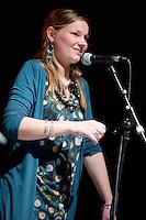Chanteuse Basse-Bretagne que l'on retrouve dans de nombreuses formations.Fest-Noz de l'Agro
