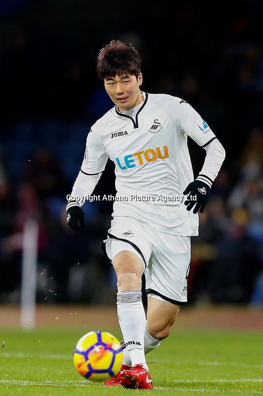 Ki Sung-Yueng of Swansea City during the Premier League match between Burnley and Swansea City at Turf Moor, Burnley, England, UK. Saturday 18 November 2017