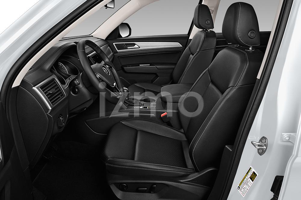 Front seat view of a 2019 Volkswagen Atlas SE 5 Door SUV front seat car photos