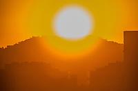 Rio de Janeiro (RJ), 07/08/2020 - Clima-Rio - Amanhecer desta sexta-feira, (07), vista do bairro das Laranjeiras, zona sul do Rio de Janeiro. (Foto: Ellan Lustosa/Codigo 19/Codigo 19)