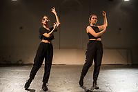 """Generalprobe der Auffuehrung """"Sieben"""" der Tanzschule """"Die Etage"""". Sieben Absolvent*innen der Tanzschule fuehren ihre Abschlussstuecke auf, ergaenzt durch weitere Choreographien zum Thema """"Die sieben Todsuenden"""".<br /> Im Bild: Die Choreographie """"Unveiled Waters"""" der Absolventin Jeanne Binet. Taenzerinnen: Jeanne Binet, Ly Nguyen.<br /> 9.9.2020, Berlin<br /> Copyright: Christian-Ditsch.de<br /> [NUR FUER REDAKTIONELLE ZWECKE! Werbung nur auf Anfrage beim Fotografen. Inhaltsveraendernde Manipulation des Fotos nur nach ausdruecklicher Genehmigung des Fotografen. Vereinbarungen ueber Abtretung von Persoenlichkeitsrechten/Model Release der abgebildeten Person/Personen liegen nicht vor. NO MODEL RELEASE! Don't publish without copyright Christian-Ditsch.de, Veroeffentlichung nur mit Fotografennennung, sowie gegen Honorar, MwSt. und Beleg. Konto: I N G - D i B a, IBAN DE58500105175400192269, BIC INGDDEFFXXX, Kontakt: post@christian-ditsch.de<br /> Bei der Bearbeitung der Dateiinformationen darf die Urheberkennzeichnung in den EXIF- und  IPTC-Daten nicht entfernt werden, diese sind in digitalen Medien nach §95c UrhG rechtlich geschuetzt. Der Urhebervermerk wird gemaess §13 UrhG verlangt.]"""