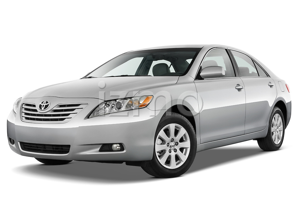 Low aggressive front three quarter view of a 2008 Toyota Camry XLE.