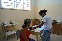 Atendimento médico no hospital do SESC. São Pedro da Agua Branca. Maranhão. 2008. Foto de Rogério Reis.