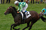 """October 06, 2019 : @2 Kimari and jockey Mike Smith win the 2nd running of the Indian Summer $200,000 """"Win and You're In Breeders' Cup Juvenile Turf Sprint Division"""" for owner Ten Broeck Farm and trainer Wesley Ward at Keeneland Racecourse in Lexington, KY on October 06, 2019.  Candice Chavez/ESW/CSM"""
