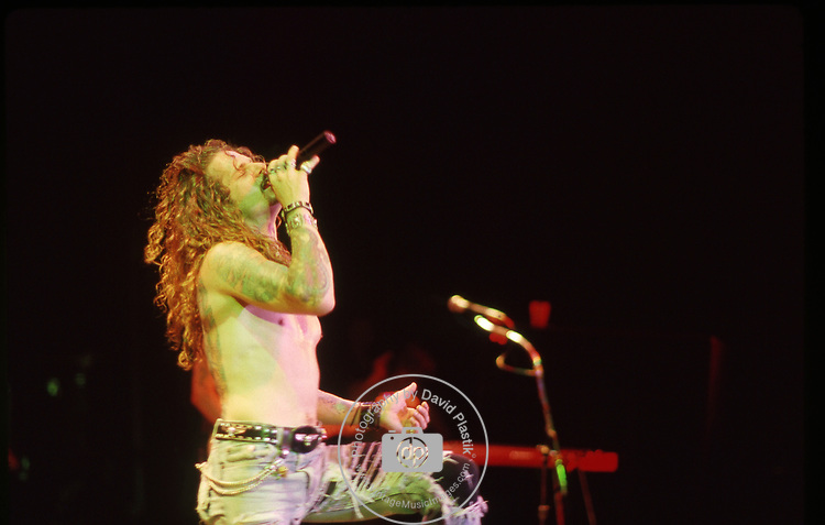 Little Caeser . Ron Young of Little Caeser live in 1989 at Palace Theater in Hollywood, CA
