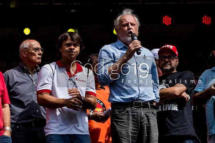 Sao Paulo, 01.05.2019 - ATO PRIMEIRO DE MAIO - Joao Stedile. As centrais sindicais dos trabalhadores realizaram nesta quarta-feira (1) um ato unificado para celebrar o primeiro de maio, no Vale do Anhangabau, centro de Sao Paulo; alem de protestos contra a reforma da Previdencia, evento contou com diversos shows.  (Foto: Carla Carniel/Código19)