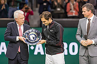 Rotterdam, The Netherlands, 18 Februari, 2018, ABNAMRO World Tennis Tournament, Ahoy, Singles final, Winner of the 45th ABNAMROWTT  Roger Federer (SUI) gets the trophy handed over from  the CEO of the ABNAMRO Bank Kees van Dijkhuizen, right tournament director Richard Krajicek<br /> Photo: www.tennisimages.com/henkkoster