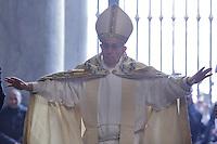 Papa Francesco apre la Porta Santa in occasione dell'inizio ufficiale del Giubileo della Misericordia, nella Basilica di San Pietro, Citta' del Vaticano, 8 dicembre 2015.<br /> Pope Francis opens the Holy Door on the occasion of the start of the Jubilee of Mercy, on St. Peter's Basilica at the Vatican, 8 December 2015.<br /> UPDATE IMAGES PRESS/Giagnori Bonotto<br /> <br /> STRICTLY ONLY FOR EDITORIAL USE