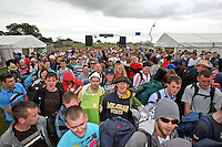 08/07/'10 Fans pictured arriving at Punchestown, Co. Kildare this evening for the start of the Oxegen Festival 2010...Picture Colin Keegan, Collins, Dublin