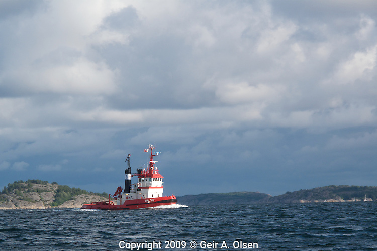 The towboat Balder on the way back to Tønsberg, Norway