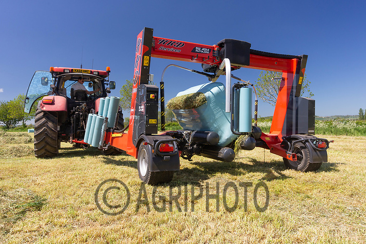 30-5-2021 Contractors wrapping  haylage in Rutland <br /> ©Tim Scrivener Photographer 07850 303986<br />      ....Covering Agriculture In The UK....