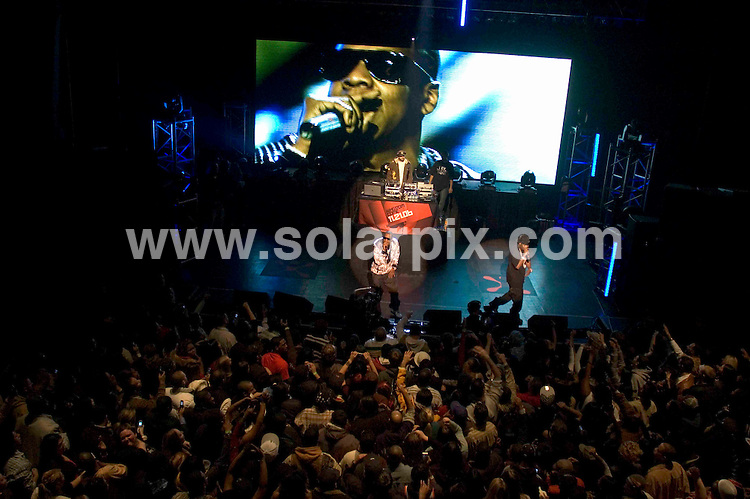 ALL ROUND PICTURES FROM SOLARPIX.COM.SYNDICATION RIGHTS FOR UK, SOUTH AFRICA, DUBAI, AUSTRALIA..Jay-Z - The Jay-Z Hangar Tour via flight on a G5 starting in Atlanta through Philadelphia, Washington D.C., New York, Chicago, Los Angeles and Las Vegas. The concert was sponsored by Cingular Wireless making the event available to wireless mobile phones. - Riviera Theatre - Chicago, IL, United States - Keywords: Jay-Z born Sean Carter, Memphis Bleek, Kindom Come Album, 7 Cities in 17 Hours Hangar Tour..DATE: 18/11/2006-JOB REF: 3078-PHZ.**MUST CREDIT SOLARPIX.COM OR DOUBLE FEE WILL BE CHARGED**