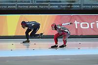 SPEEDSKATING: Olympic Games Torino 2006, 1000m Men, Shani Davis (USA), Jeremy Wotherspoon (CAN), ©foto Martin de Jong