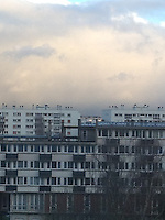 Condomini a Antony (Parigi - Francia) con cielo nuvoloso