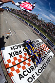 Alexander Rossi, Andretti Autosport Honda , checkered flag