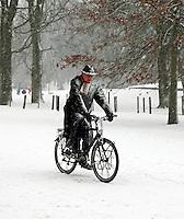 Fietsen in een sneeuwstorm
