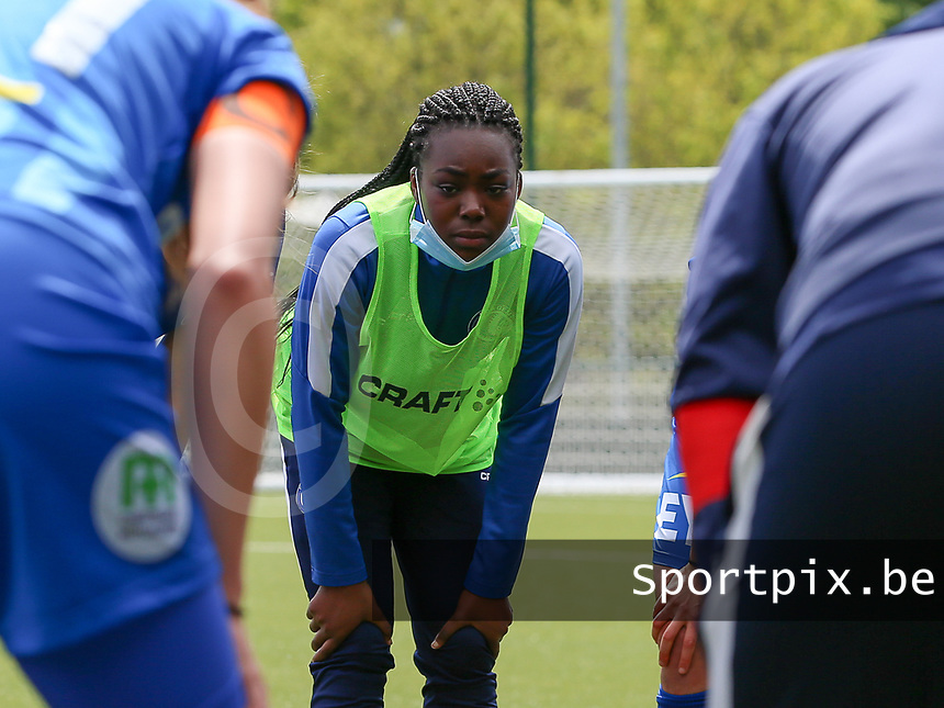 Lakeesha Eijken (7) of AA Gent  pictured at the huddle before a female soccer game between Oud Heverlee Leuven and AA Gent Ladies on the 9 th matchday of play off 1 in the 2020 - 2021 season of Belgian Womens Super League , saturday 22 nd of May 2021  in Heverlee , Belgium . PHOTO SPORTPIX.BE   SPP   SEVIL OKTEM