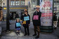 Manifestazione per il clima, famiglia manifesta per la biodiversità