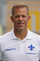 Trainer Markus Anfang (SV Darmstadt 98) - 27.08.2020: SV Darmstadt 98 Mannschaftsfoto, Stadion am Boellenfalltor, 2. Bundesliga, emonline, emspor<br /> <br /> DISCLAIMER: <br /> DFL regulations prohibit any use of photographs as image sequences and/or quasi-video.