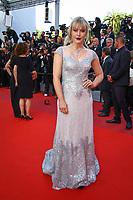 Camilla Kerslake sur le tapis rouge pour la projection du film MISE A MORT DU CERF SACRE lors du soixante-dixième (70ème) Festival du Film à Cannes, Palais des Festivals et des Congres, Cannes, Sud de la France, lundi 22 mai 2017. Philippe FARJON / VISUAL Press Agency