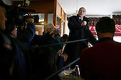 Kenne, New Hampshire.USA.January 26, 2004..Democratic Primay candidate Wesley Clark campaigns hard the last day before the voting in New Hampshire at the Timoleon's restaurant..