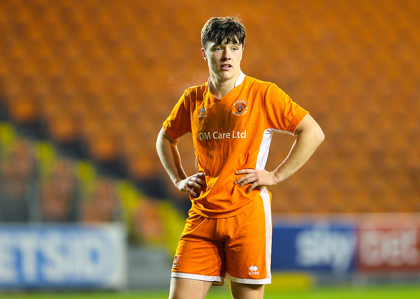 Blackpool's Tom Williams<br /> <br /> Photographer Alex Dodd/CameraSport<br /> <br /> The FA Youth Cup Third Round - Blackpool U18 v Derby County U18 - Tuesday 4th December 2018 - Bloomfield Road - Blackpool<br />  <br /> World Copyright © 2018 CameraSport. All rights reserved. 43 Linden Ave. Countesthorpe. Leicester. England. LE8 5PG - Tel: +44 (0) 116 277 4147 - admin@camerasport.com - www.camerasport.com