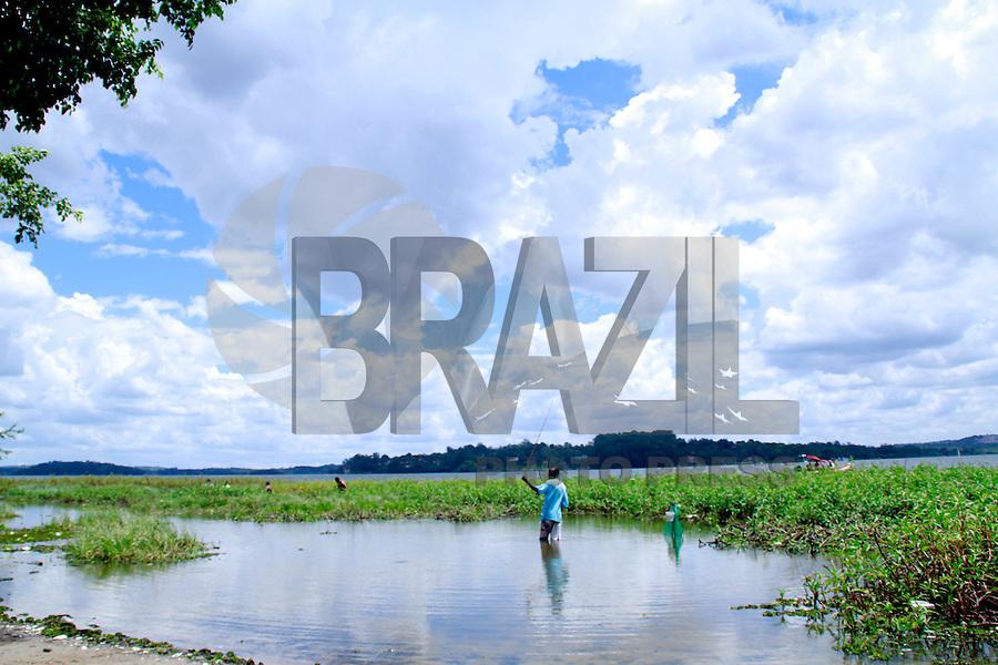 SÃO PAULO, SP - 17.02.2016 - ABASTECIMENTO-SP - Vista da represa do Guarapiranga, na tarde desta quarta-feira (17), na região de Interlagos, zona sul da capital. O sistema apresenta 83,8% de sua capacidade de armazenamento, que subiu o nível após chuvas do início da semana. (Foto: Fabricio Bomjardim/Brazil Photo Press)