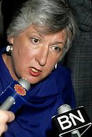 la ministre du commerce international Pat Carney <br /> entre 1986 et 1988.<br /> <br /> Minister of International Trade (1986-88)