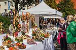 Deutschland, Bayern, Mittel-Schwaben, Unterallgaeu, Bad Woerishofen: Kunstmarkt | Germany, Bavaria, Swabia, Lower Allgaeu, Bad Woerishofen: art market